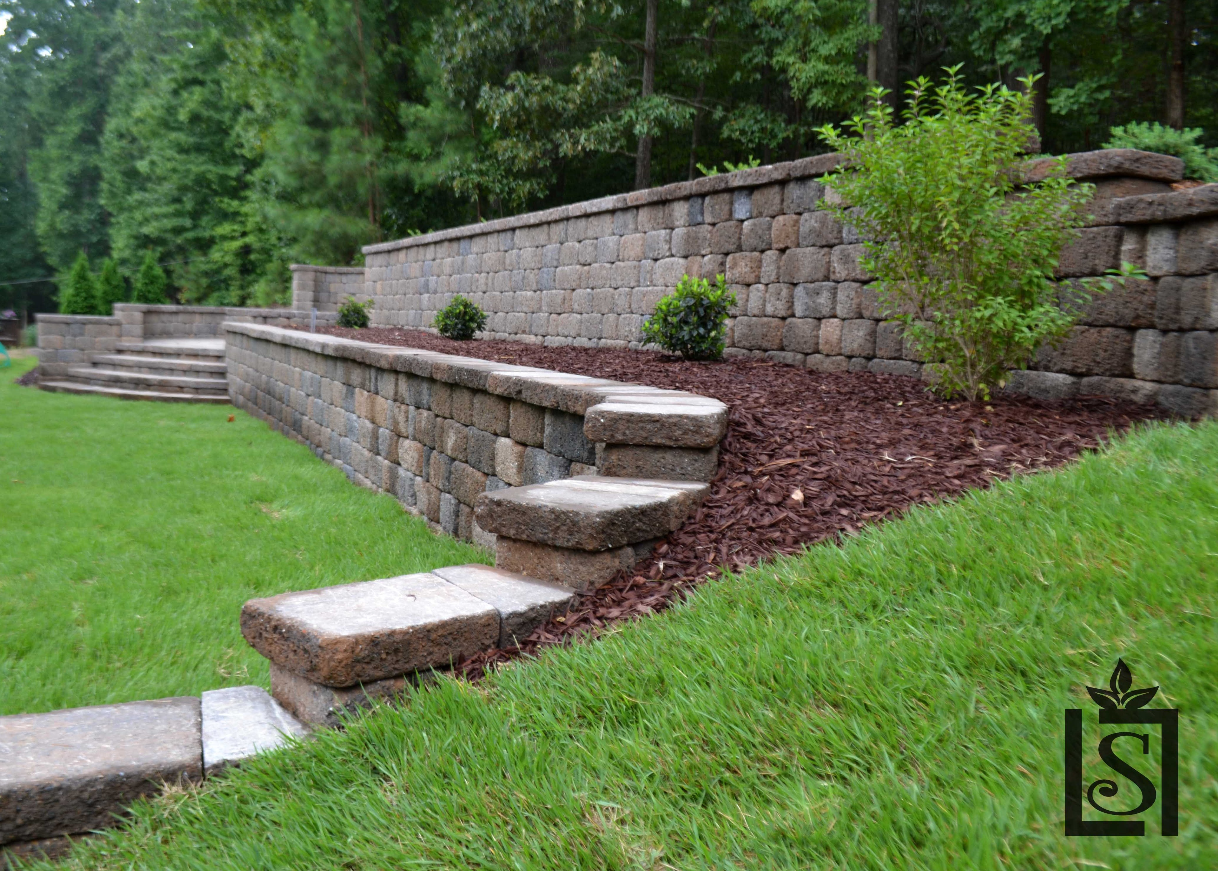 Retaining Walls - Luxury Living Scapes, Inc.